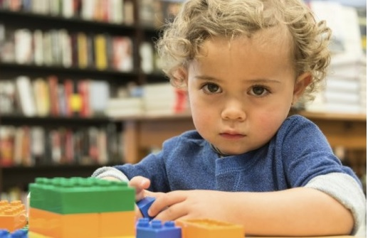 Как лечить аутизм у детей