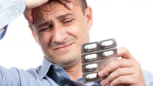 После удара головой болит голова