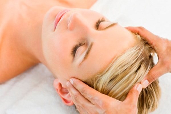 Точечный массаж при головной боли