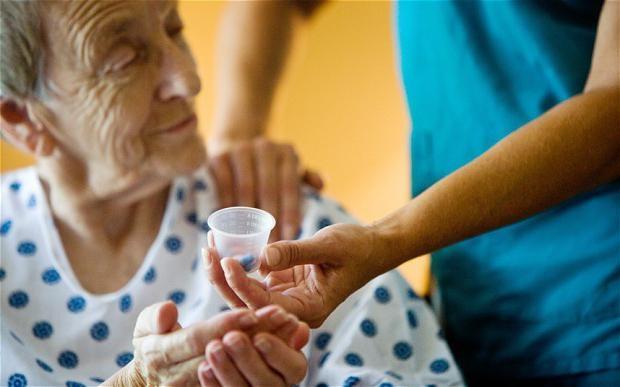 Лечение сильных головокружений у пожилого человека