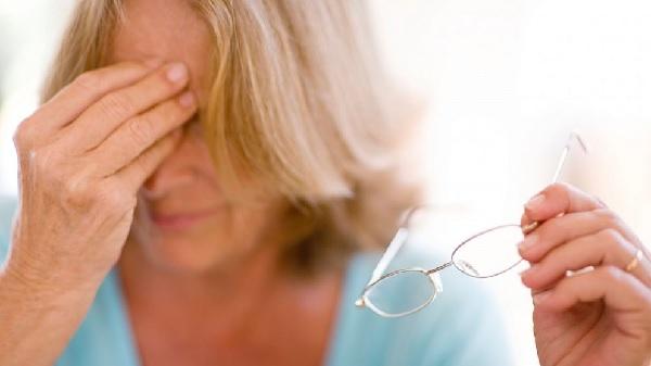 Первые признаки микроинсульта у женщин