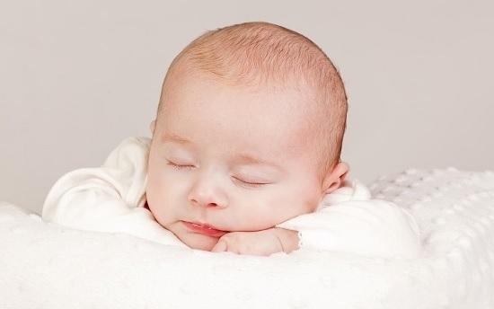 Шишка на голове у новорожденного