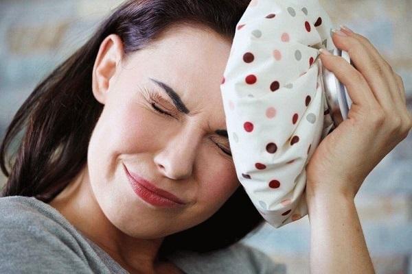 Голова болит после сна утром
