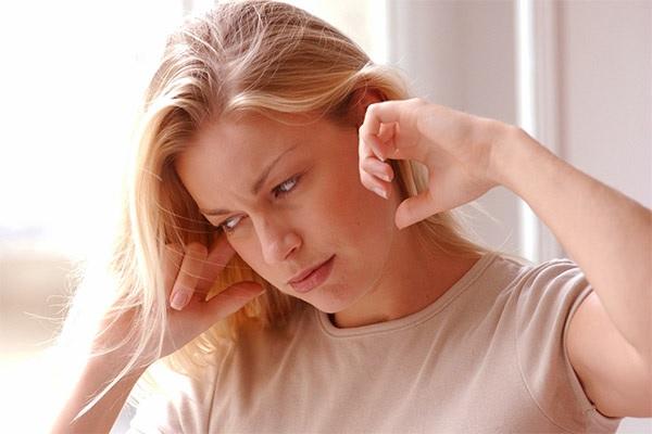 Причины, почему гудит в ушах
