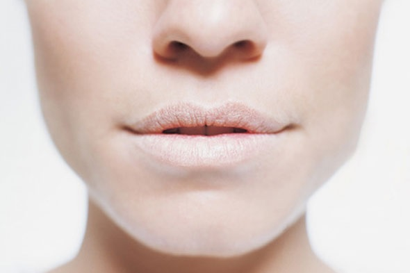 Бледность губ