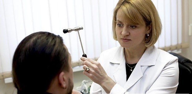 Доктор невролог