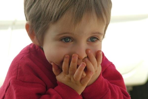 Причины заикания у детей 3 лет