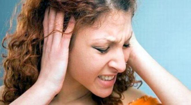Появление шума в ухе и головокружений