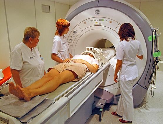 Для исключения органического поражения мозга при сопоре