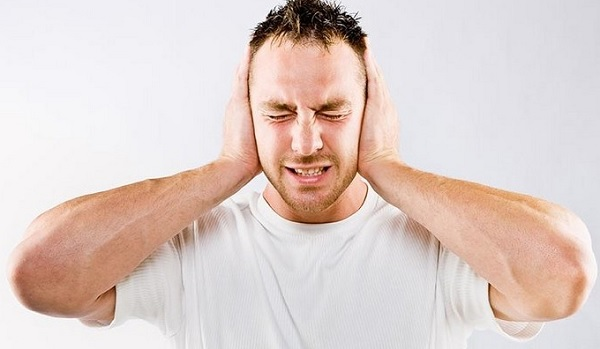 Заложенные уши и боль в голове