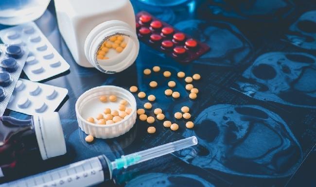 При использовании Залеплон с наркотическими анальгетиками